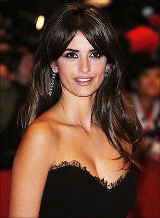 Javier Bardem And Penelope Cruz Married. Hollywood actress Penelope