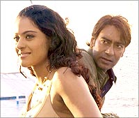 Kajol and Ajay Devgan in U Me Aur Hum