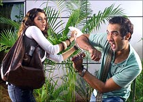 Mallika Sherawat and Ranvir Shorey in Ugly Aur Pagli