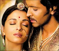 Aishwarya and Hrithik in Jodhaa Akbar