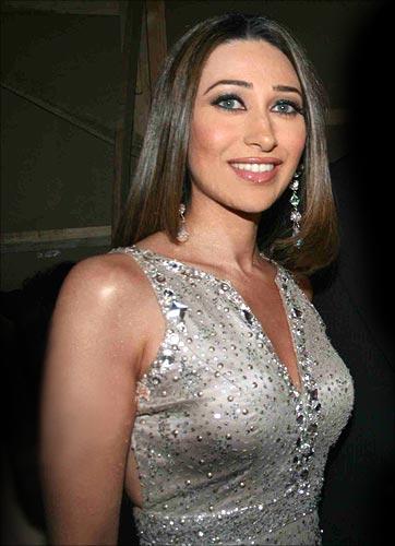karisma Kapoor 12look2
