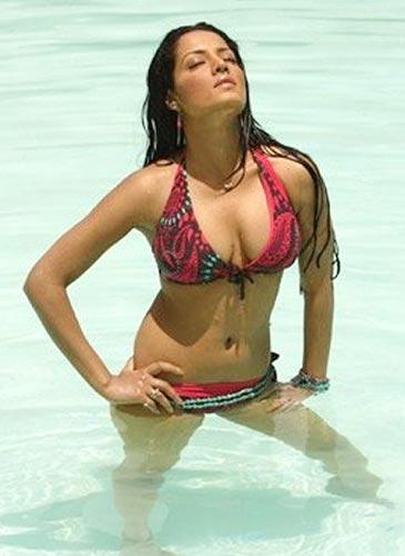 Nude female pornstar hitomi tanaka gifs