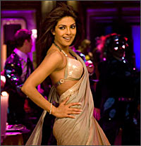 Priyanka Chopra dances to Desi girl in Dostana