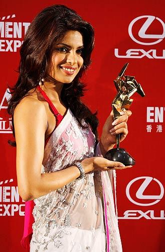 Priyanka Chopra Dostana Sari « HD Wallpaper For Actress ...