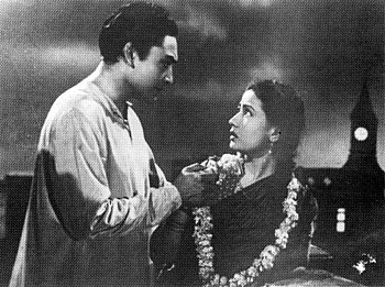 Meena Kumari and Ashok Kumar in Parineeta