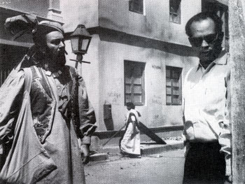 Balraj Sahni and Bimal Roy on the set of Kabuliwala