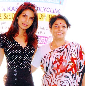 Priyanka Chopra and her mom Madhu Akhauri