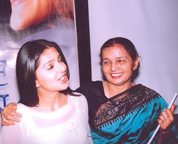 Bhoomika Chawla and her mother