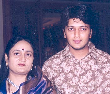 Vaishalitai and Riteish Deshmukh