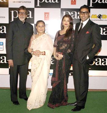 Amitabh Bachchan, Jaya, Aishwarya and Abhishek
