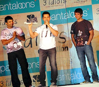 R Madhavan, Aamir Khan and Sharman Joshi