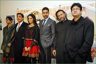 UTV chief Ronnie Screwvala [second from left], Sonam Kapoor, Abhishek Bachchan, Rakyesh Mehra and Prasoon Joshi.