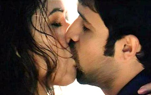 Bollywood sexy kiss