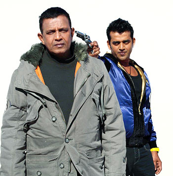 Mithun Chakraborty and  Ravi Kissen in Luck