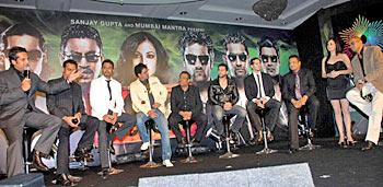 Fardeen Khan, Gulshan Grover, Irrfan Khan, Manoj Bajpai, Aftab Shivdasani, Dino Morea, Sanjay Gupta,