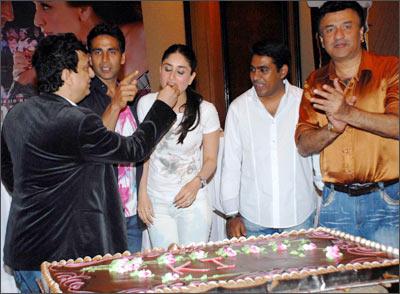 Sajid Nadiadwala, Akshay Kumar, Kareena Kapoor, Sabbir Khan and Anu Malik