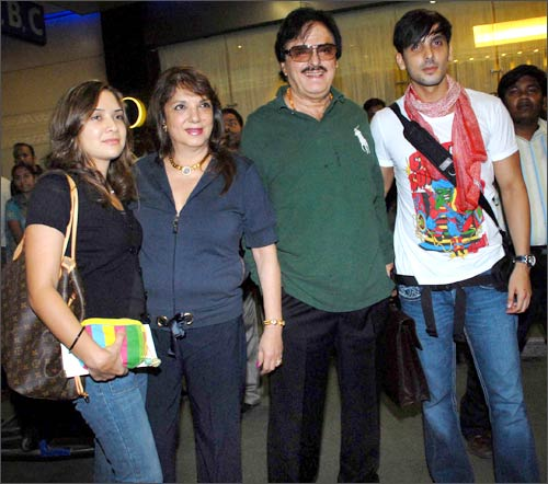 Malaika Khan, Zarine Khan, Sanjay Khan and Zayed Khan