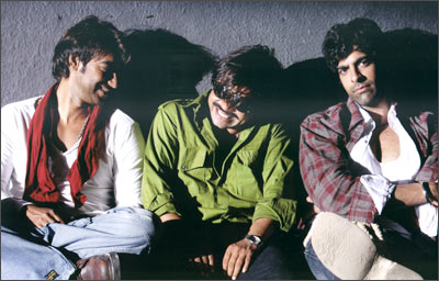 A scene from Ram Gopal Varma Ki Aag