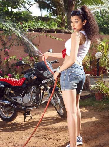 pooja kanwal photo