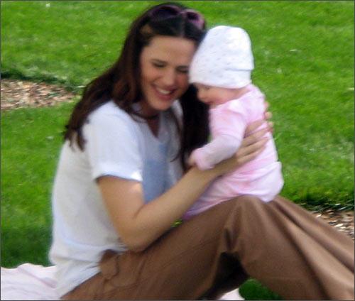 Jennifer Garner plays with daughter Violet Anne in Los Angeles