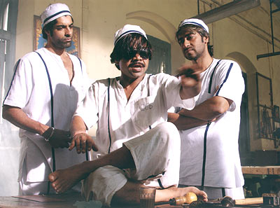 Prashant Raj, Rajpal Yadav and Ajay Devgan in Ram Gopal Varma Ki Aag