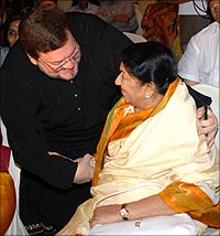 Nitin Mukesh and Lata Mangeshkar