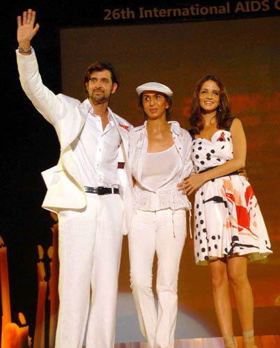 Hrithik Roshan, Parmeshwar Godrej and Suzanne Khan