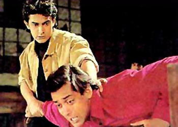 Aamir Khan and Salman Khan in Andaz Apna Apna.