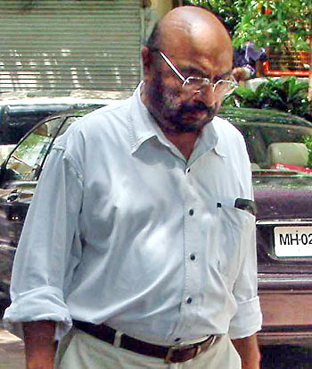 Govind Nihalani, Rajkumar Santoshi's mentor