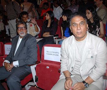Amitabh Bachchan and Sunil Gavaskar
