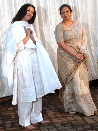 Aishwarya Rai Bachchan and her mother
