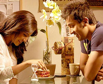 A still from Wake Up Sid where two behaviourally diverse protagonists who stay together end up falling in love