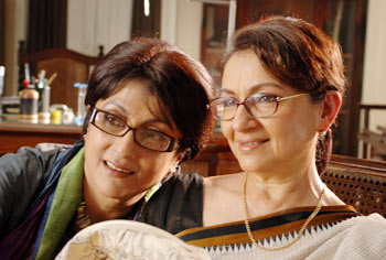 Aparna Sen and Sharmila Tagore in Antaheen