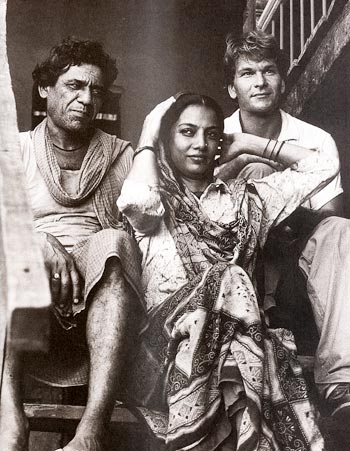Om Puri, Shabana Azmi and Patrick Swayze in City of Joy