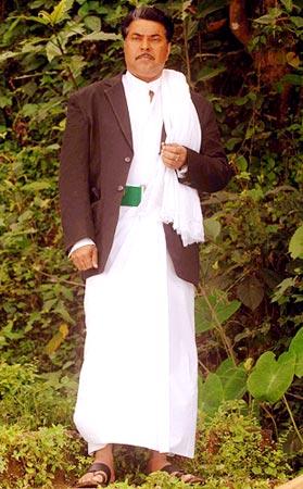 A scene from 1. Paleri Manikyam: Oru Pathira Kolapathakathinte Kadha