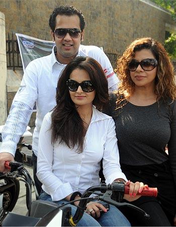 Monica Bedi, Rahul Mahajan and Sambhavna Seth