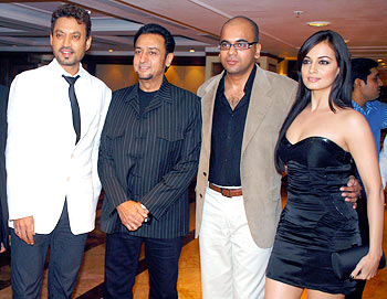 Irrfan Khan, Gulshan Grover, director Suparn Verma and Dia Mirza