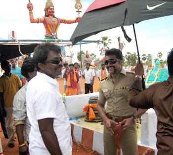 Hari and Surya on the sets of Singam