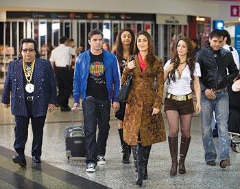 Bappi Lahiri, Sohail Khan, Kareena Kapoor, Nauheed Cyrusi and Yash Tonk