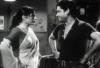 A scene from Chalti Ka Naam Gaadi