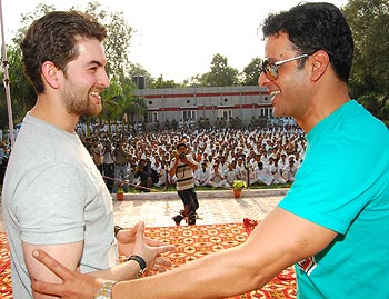Neil Nitin Mukesh and Manoj Bajpai