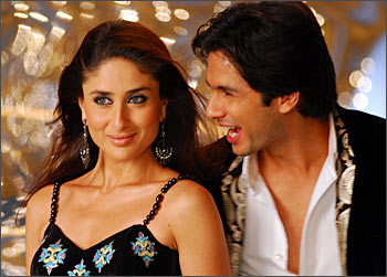 Kareena Kapoor and Shahid Kapur in Jab We Met