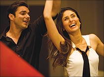 Sohail Khan and Kareena Kapoor in Main Aurr Mrs Khanna