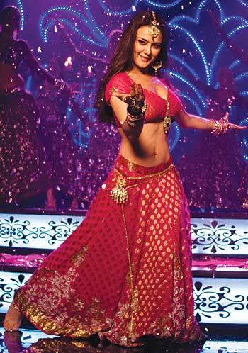 Preity Zinta in a scene from  Main Aur Mrs Khanna