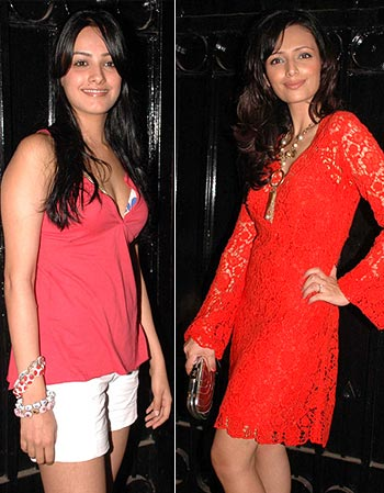 Anita Hassanandani and Roshni Chopra