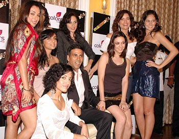 Khatron Ke Khiladi contestants with Akshay Kumar