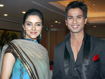 Asin and Shahid Kapoor