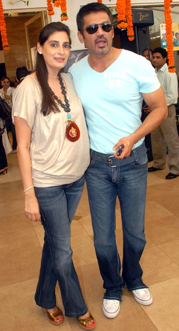 Suniel and Mana Shetty