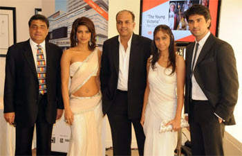 Ronnie Screwvala, Priyanka Chopra, Ashutosh Gowaiker, Sunita Gowariker and Harman Baweja