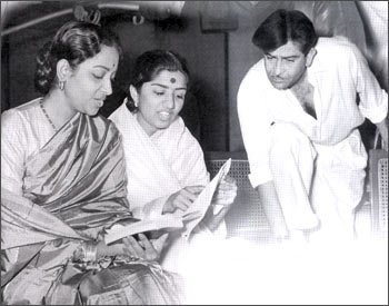 Geeta Dutt, Lata Mangeshkar and Raj Kapoor